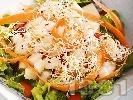Рецепта Зелена салата с марули, авокадо, домати, моркови и кълнове